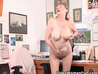 American, Masturbation, Mature, MILF, Mom, Nylon, Office, Pantyhose, Stockings,