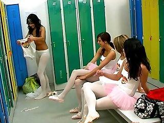 балерина, в классе, танцы, групповой секс, лесбийское, нижнее белье, в раздевалке, музыка, нейлон, Orgy,