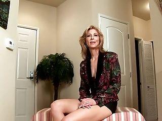 без груди, Dee Dee, фаллоимитатор, в высоком разрешении, зрелые, мамочка, киска, секс игрушки,